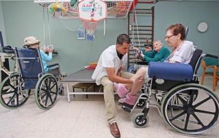 ״איך מונעים נפילות קשישים״